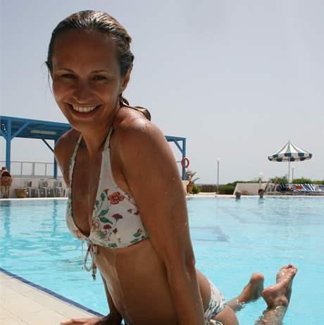 iDNES.cz: http://revue.idnes.cz/monika-absolonova-na-dovolene-plakala-na-plazi-fqd-/lidicky.aspx...